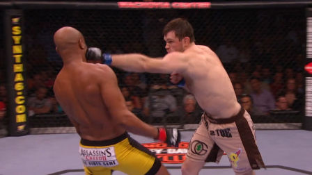 安德森 席尔瓦 UFC101安德森 席尔瓦首回合KO格里菲斯