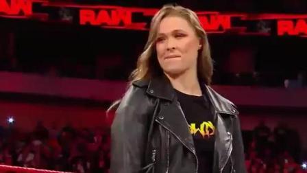 WWE戴娜说隆达罗西是个没有实力的菜鸟, 十秒钟后直接被打脸!
