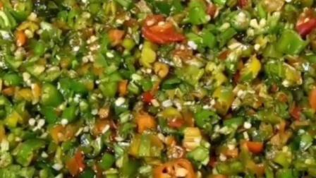 制作辣椒酱的方法, 用来拌米饭, 米线, 稀饭都非常好吃
