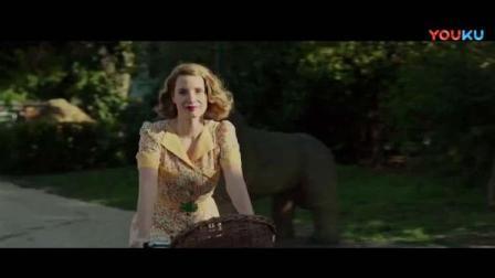 动物园长的夫人:每天早起跟打招呼,跟小羊一起散步!