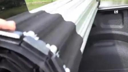 牛人把皮卡车改装出新高度, 后面还带盖的 还是遥控的呢
