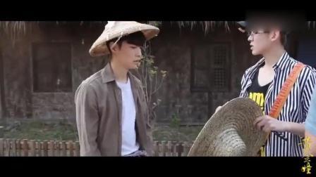 张艺兴说自己头太大带不了这个草帽, 要求换一个尖顶的