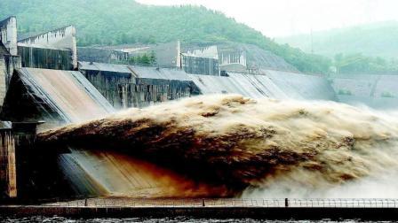 为什么治理黄河泥沙不用挖沙, 而是修建水坝? 说出来你都不敢相信