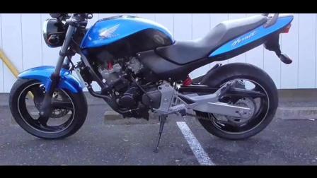 极品成色的小黄蜂250! 最便宜的四缸小排量摩托车, 跑起来应该还是很不错的