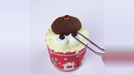 一分钟美食教学: Merry Christmas圣诞杯子蛋糕, 带来一年欢乐