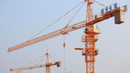 建造高楼的吊塔是怎么增加到几百米高的? 说出来你都不敢相信