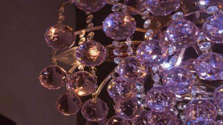 玻璃是怎么加工成水晶一样? 说出来你都不敢相信
