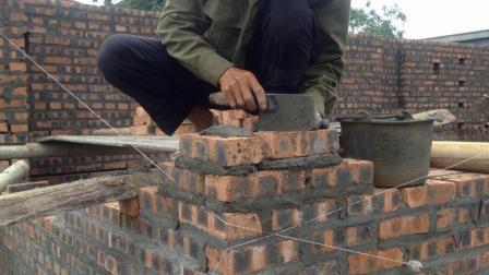 越南砖工这样砌墙角, 这技术要是在国内, 一天给他100都嫌多了
