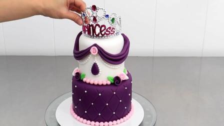每次看到翻糖蛋糕, 都像是在捏橡皮泥, 好玩好看还能吃