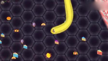 贪吃蛇大作战 看看这个小黄蛇是这样一步步杀出来的
