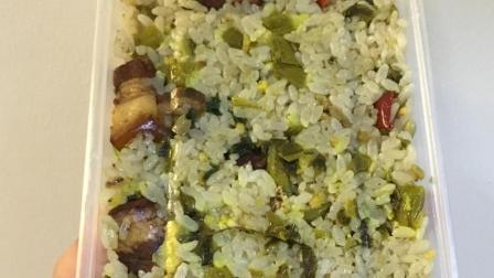 【团子的吃喝记录】南京美食: 老头酸豇豆炒饭(更多图片评论在微博: 到处吃喝的团子)
