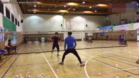 韩国羽毛球教练教导学员 这训练方法你怎么看