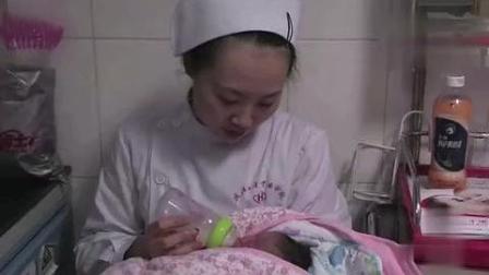 生门: 新生儿一出世就失去了母亲, 家人哭作一团, 好心护士悉心照料!