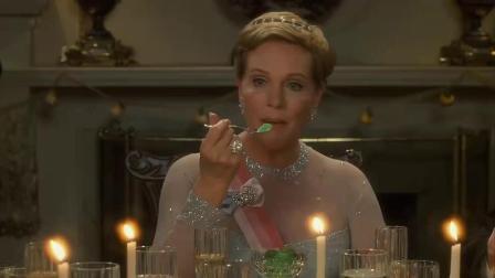 《公主日记》  出席皇家宴会 毛手毛脚出丑惹乱