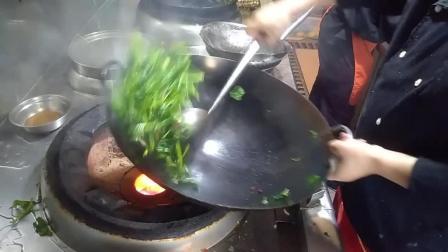 大厨炒蔬菜的动作, 慢放后你将学会如何翻锅及炒勺与锅的配合