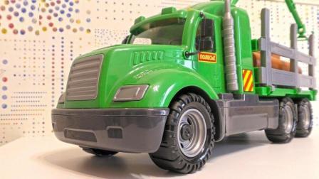 工程车玩具使用夹子工具卸载木材