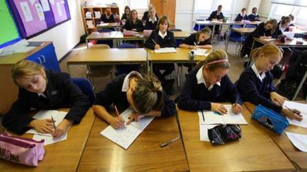 英国学生都快哭了, 英国教育部引进中国数学教材, 表示难度太大了