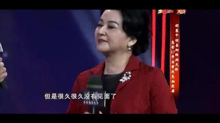 霸王花胡慧中17年首现身, 助阵洪金宝儿子, 底下观众都沸腾了