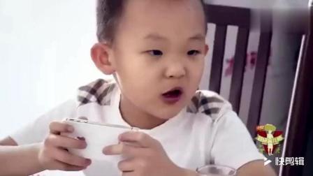 6岁熊孩子在家称大王出手打妈妈, 出去吃饭又直接上手打人