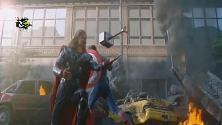 超级英雄褪去特效后: 变得略像中二病少年