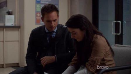 金装律师:迈克告诉索菲亚,虽然没能保住她家,但有一个月找房期