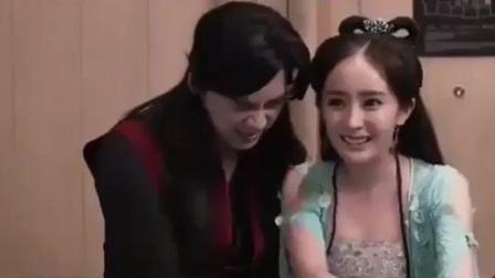 杨幂和李易峰走错片场, 把迪丽热巴笑坏了!