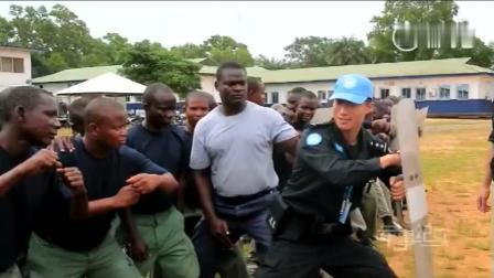 中国维和防暴警察训练非洲黑人警察, 黑人身体确实够强壮