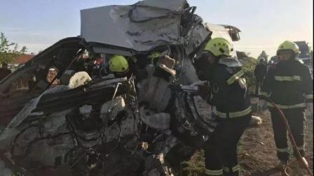 现场眼 吉林客货车相撞致7死6伤 货车驾驶员被警方控制