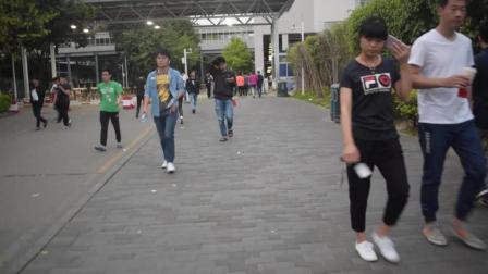 实拍深圳富士康电子厂, 是不是勾起了你打工的回忆呢?