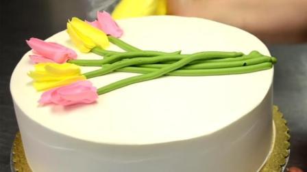 强迫症福利: 在蛋糕上裱一束郁金香, 过程倒放是啥样?