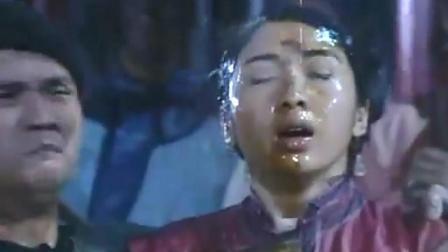丑女的脸被雨水冲刷后, 竟露出了惊人的容貌