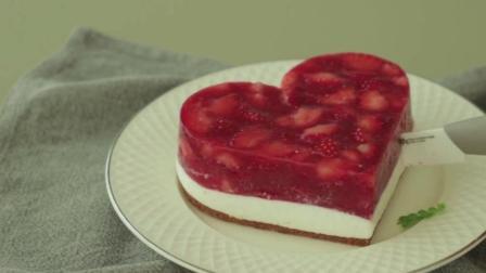 免烤草莓慕斯蛋糕, 满满的草莓, 看到就爱上它了