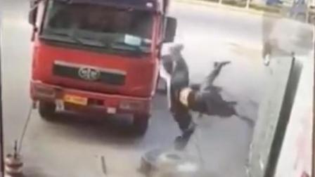 汽修厂轮胎爆炸, 男子腾空被炸飞