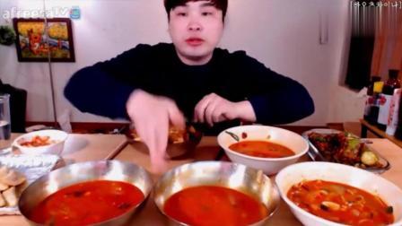 韩国大胃王吃播豪放派donkey弟弟吃辣味海鲜面, 炸物小吃和酱青瓜