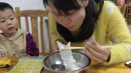 4块钱一条广西的卷筒粉, 广西的特色小吃, 你们吃过吗?