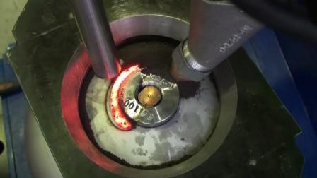 全新的液化气钢瓶全自动焊接, 这效率大大提升