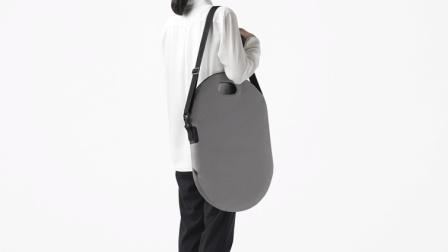 日本发明背包马桶, 在马路上就能方便, 网友: 印度人想买!