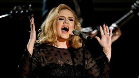 Adele因失恋写了这首歌, 一不小心拿下格莱美奖, 一起感受下!
