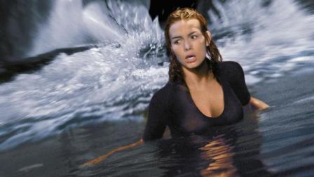 3分钟看完经典惊悚灾难片《深海狂鲨》, 深海狂鲨和作死人类的对决