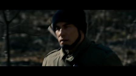 《致命对决》  德尼罗远程精准射穿特拉沃塔面颊