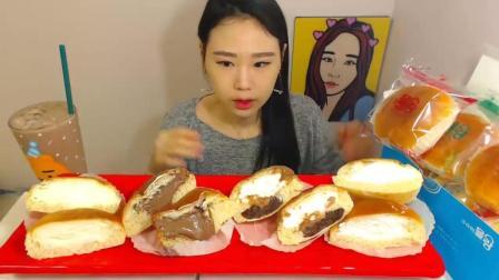 吃货卡妹, 吃4种口味的奶油馅面包, 大口吃的超享受