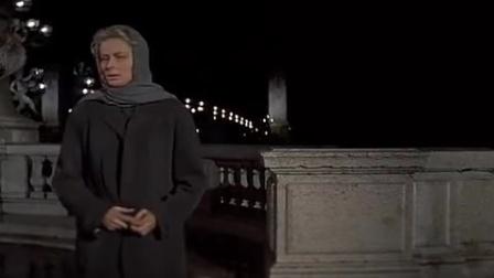 《真假公主》怪女人一直走到了河边