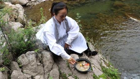 猪蹄就要这样吃才叫爽, 一人吃一大锅, 好吃到流口水