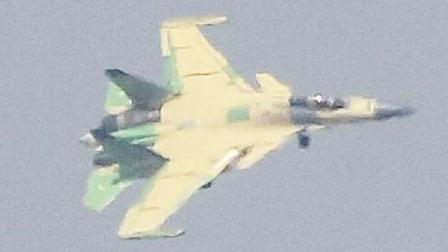 中国又一新型战机首飞成功, 美媒发出质疑, 没料专家作出权威解释