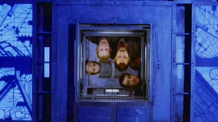 几分钟看完科幻惊悚电影《心慌方》, 一个密室逃脱的人性电影!