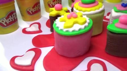 模具制作多种花纹纸杯蛋糕