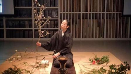 她在40岁找到人生第一份工作: 每天为佛祖献花