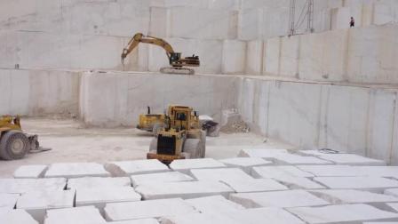 大理石开采全过程, 一块块几十吨的大理石就是这样开采出来的