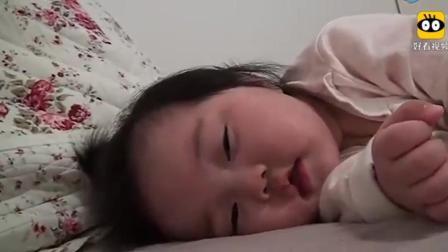 一直不知道, 这个宝宝的睡觉视频为什么被观看了超过一亿次