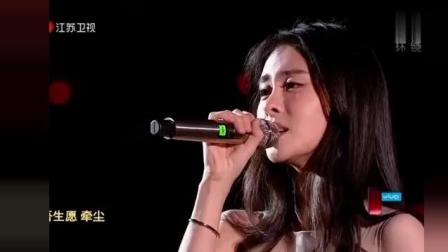 张碧晨唱这首歌声音太动听了,堪比天籁,张信哲在旁边有点逊色